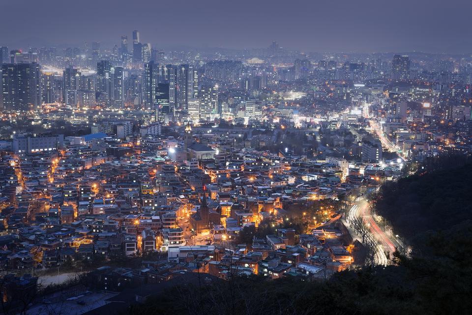 Ciudad de Seúl en la noche con el río han, Seúl, Corea del Sur