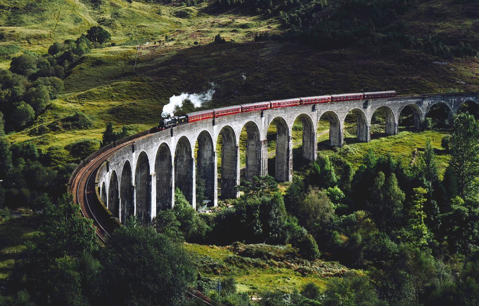 Viadotto ferroviario di Glenfinnan in Scozia