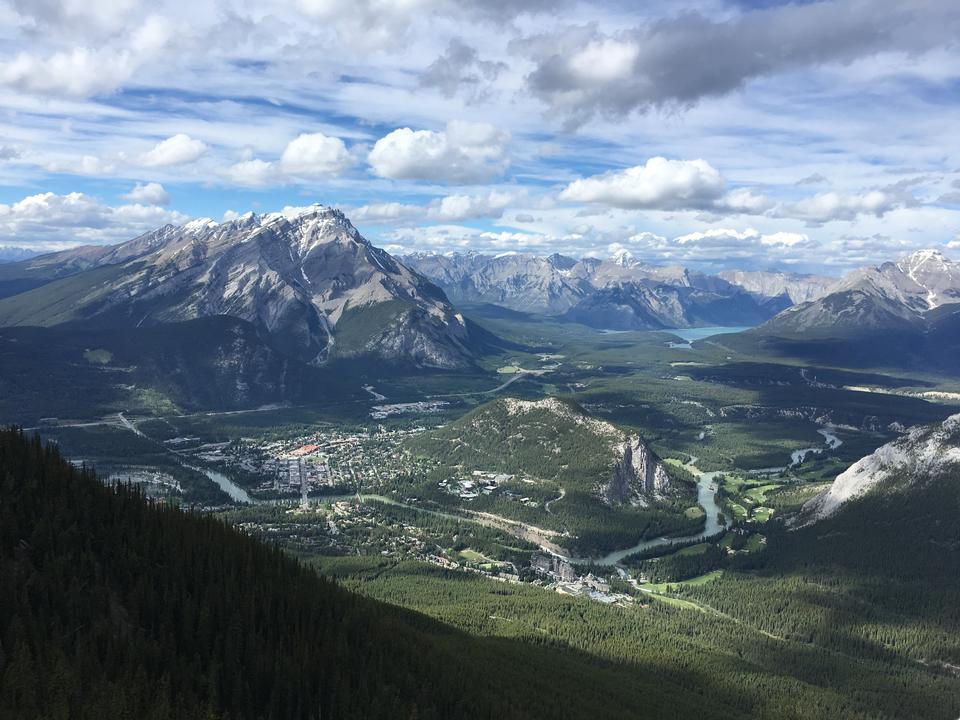 Sulphur Mountain en el Parque Nacional de Banff en el Rocky canadiense