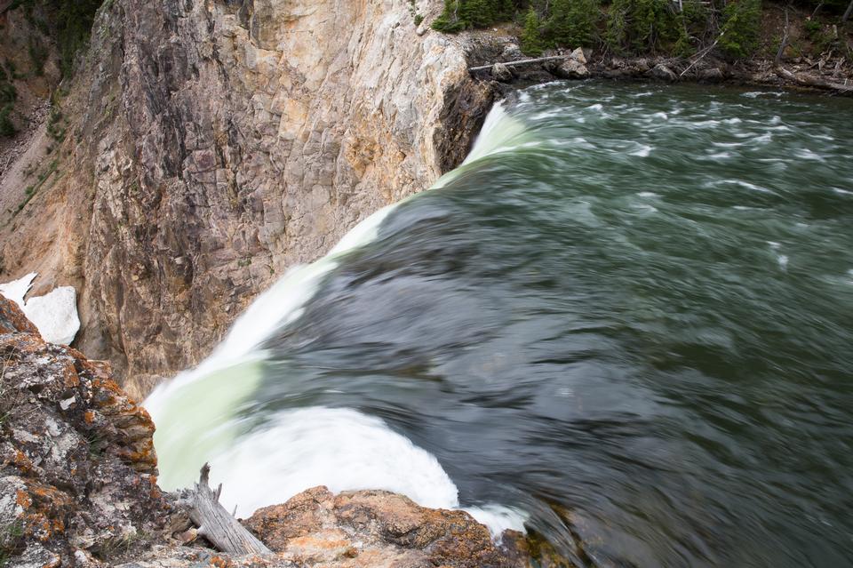 黃石大峽谷的上瀑布