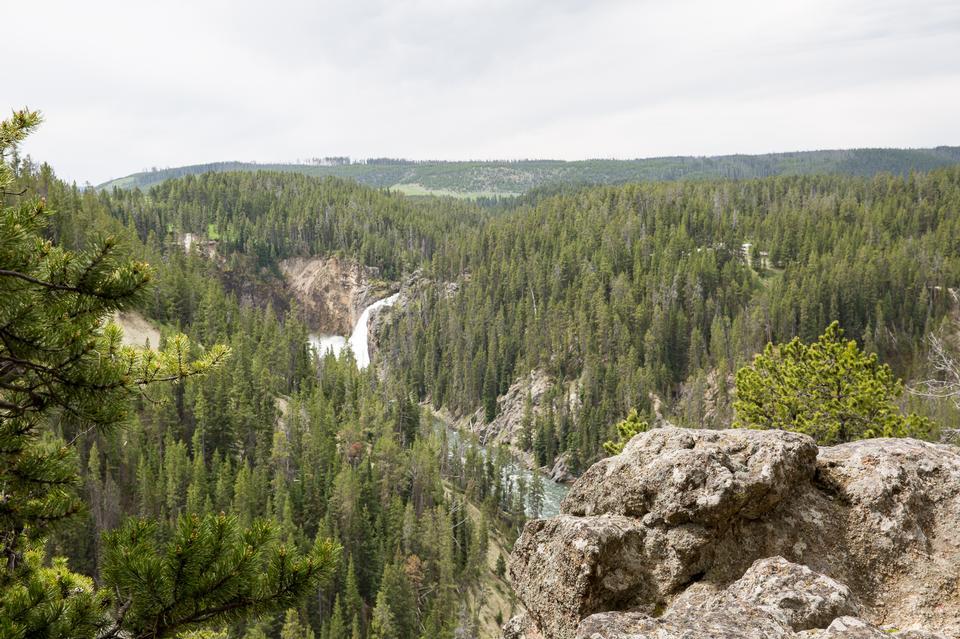 黄石大峡谷的南缘