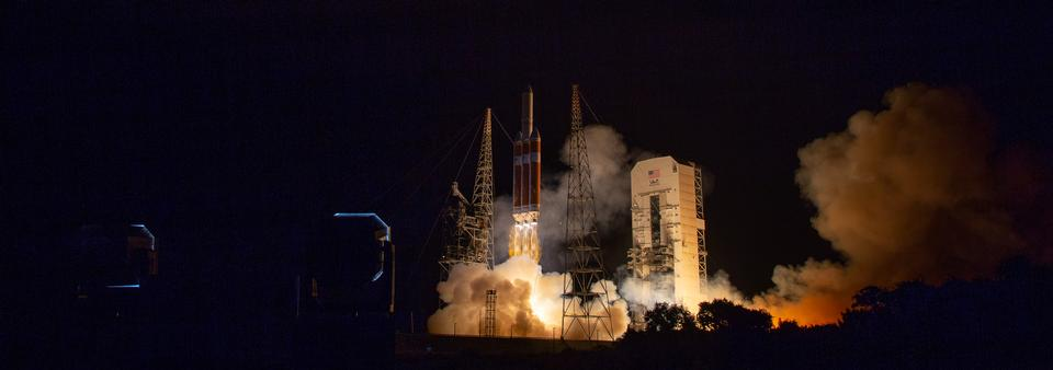 A United Launch Alliance Delta IV Heavy rocket launches