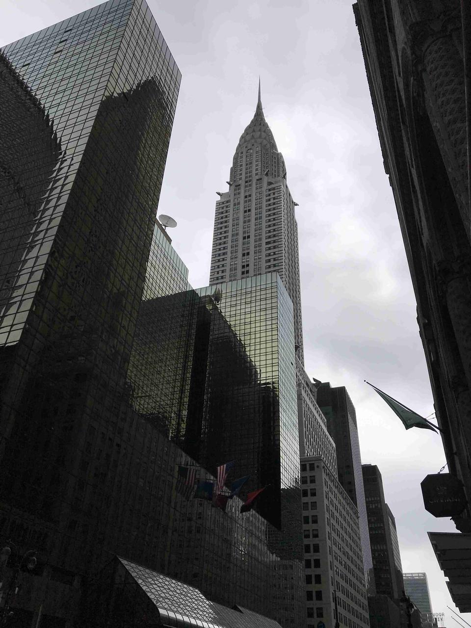 克莱斯勒大厦从街道纽约市