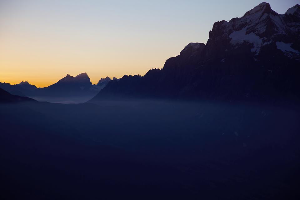 El valle de Chamonix, la puesta de sol sobre el glaciar.
