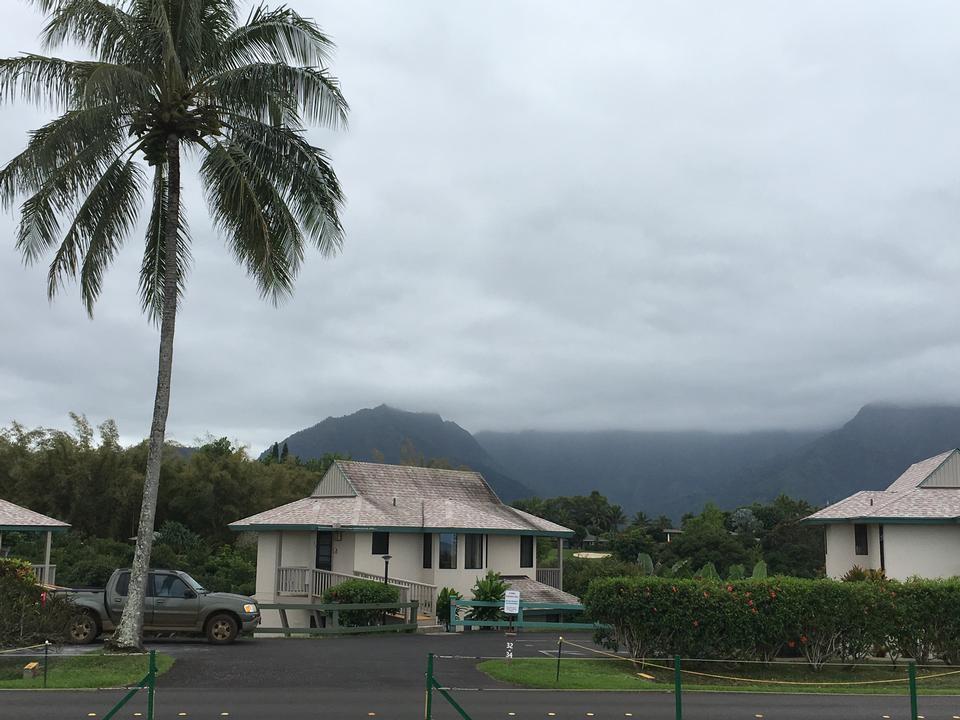 沿着Na Pali海岸线的Kalalau小径的美丽景色