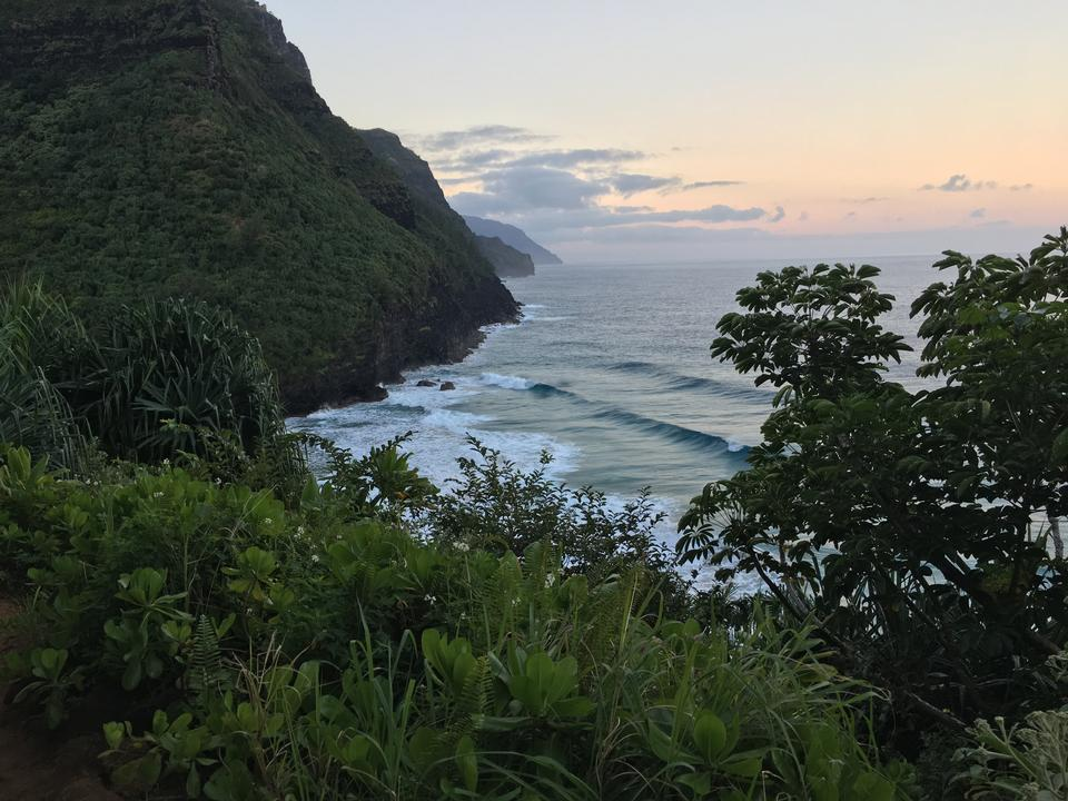 Beautiful views on the Kalalau trail along the Na Pali coastline