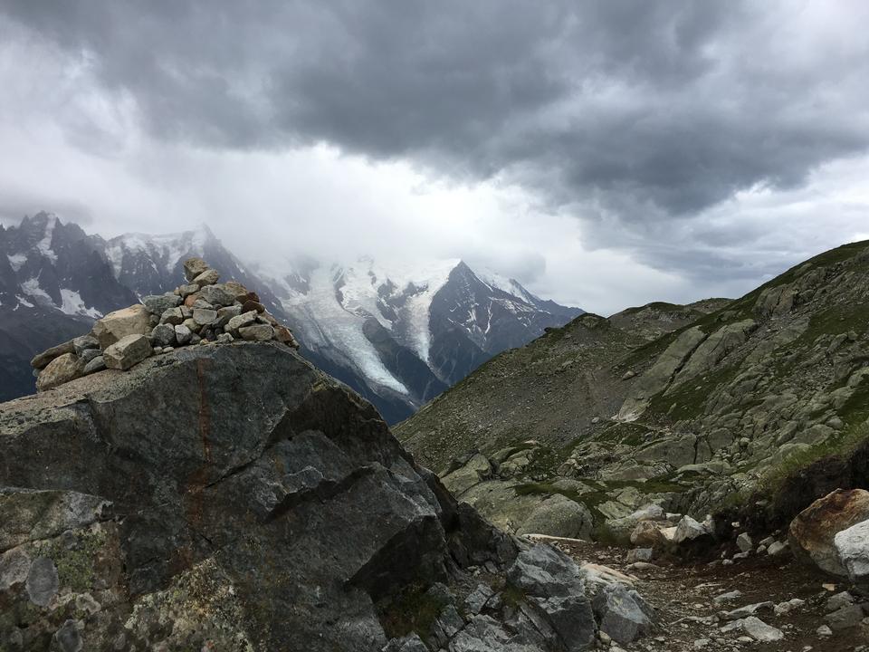 Il famoso Tour du Mont Blanc vicino a Chamonix, in Francia