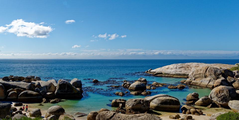 Paesaggio bellissimo spiaggia di Boulders