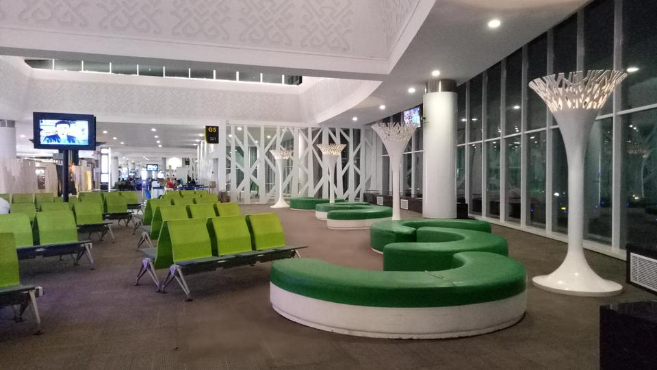 Waiting room Sultan Aji Muhammad Sulaiman Airport