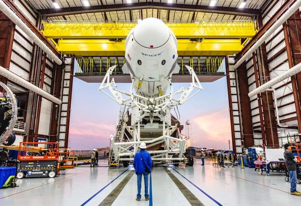 Spacex bâtiment avec Rocket