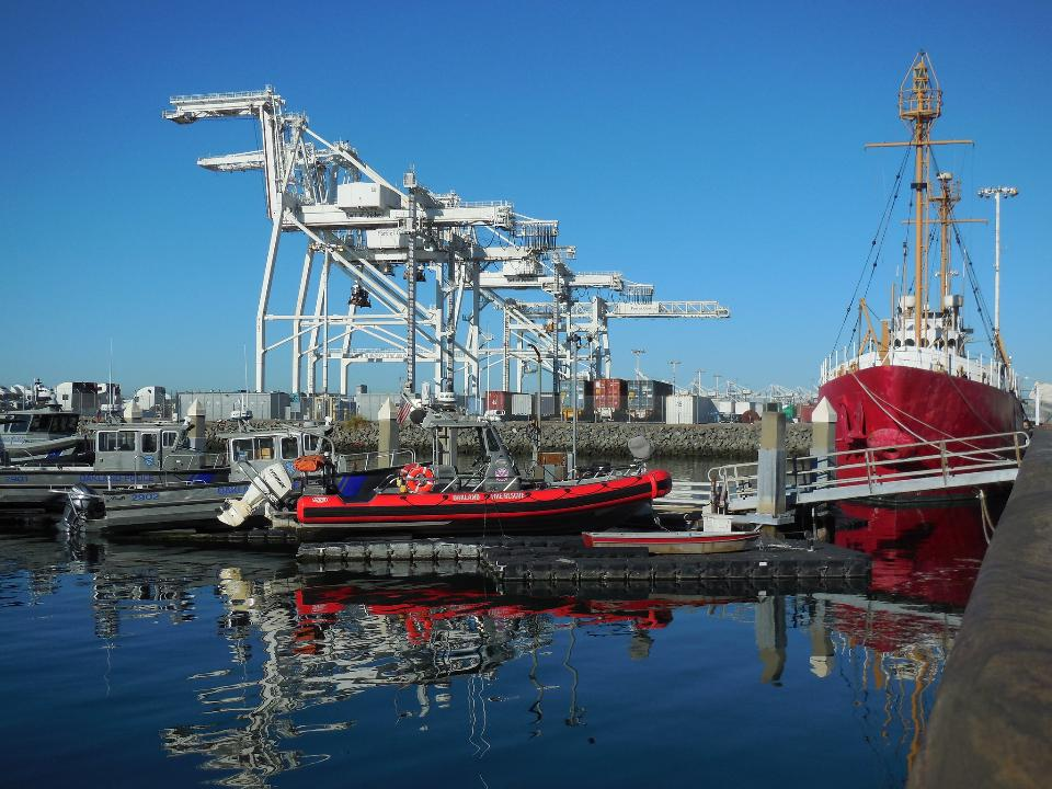 Oakland harbor with giant cranes or jack hammers