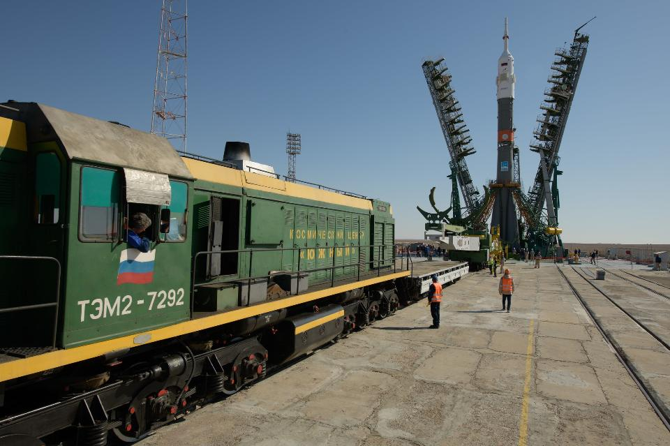 Expedition 61 Soyuz Rollout