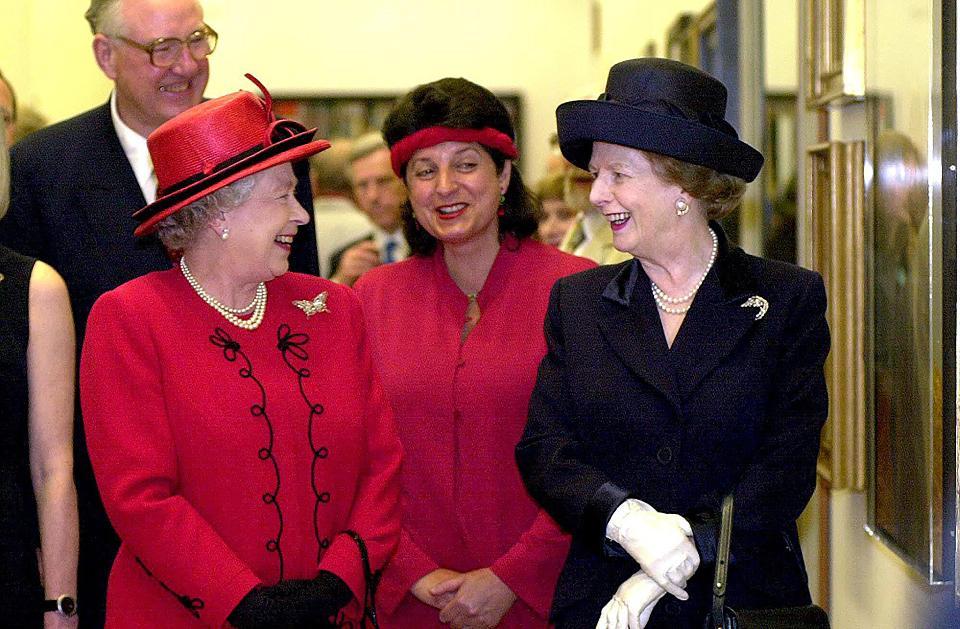 クイーンエリザベス2世とマーガレットサッチャー