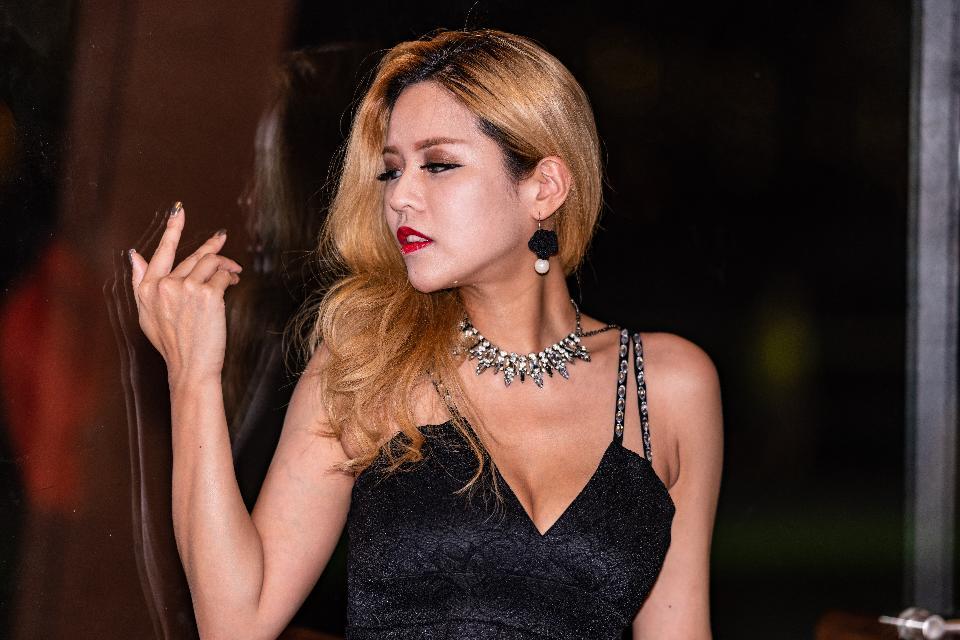 Fashion model portrait. beautiful Sexy woman