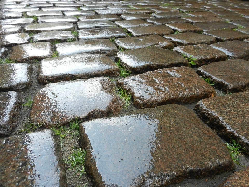 Paving stone vintage road cover