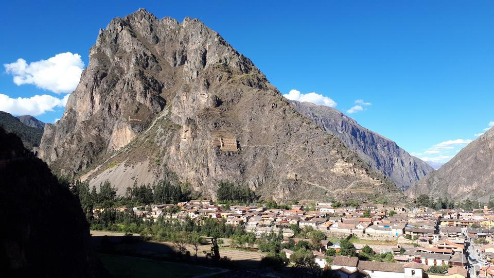 Vista aérea de Ollantaytambo, Valle Sagrado de los Incas, Perú