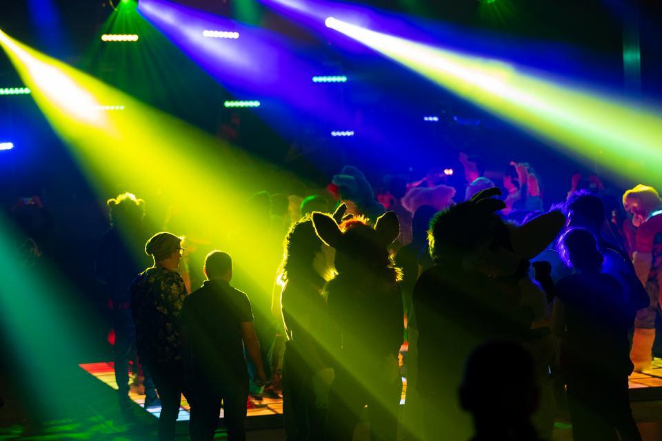 舞台灯光与彩色聚光灯