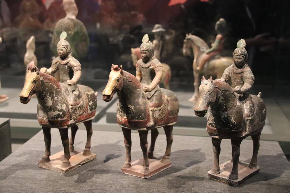骑马的唐陶战士