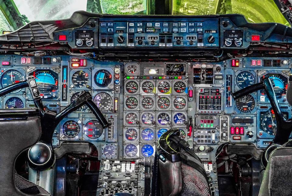 協和飛機駕駛艙配電盤控制面板