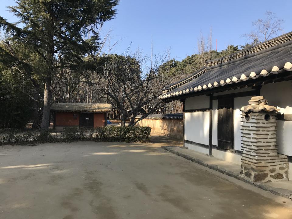 Heo Gyun Heo Nanseolheon纪念公园
