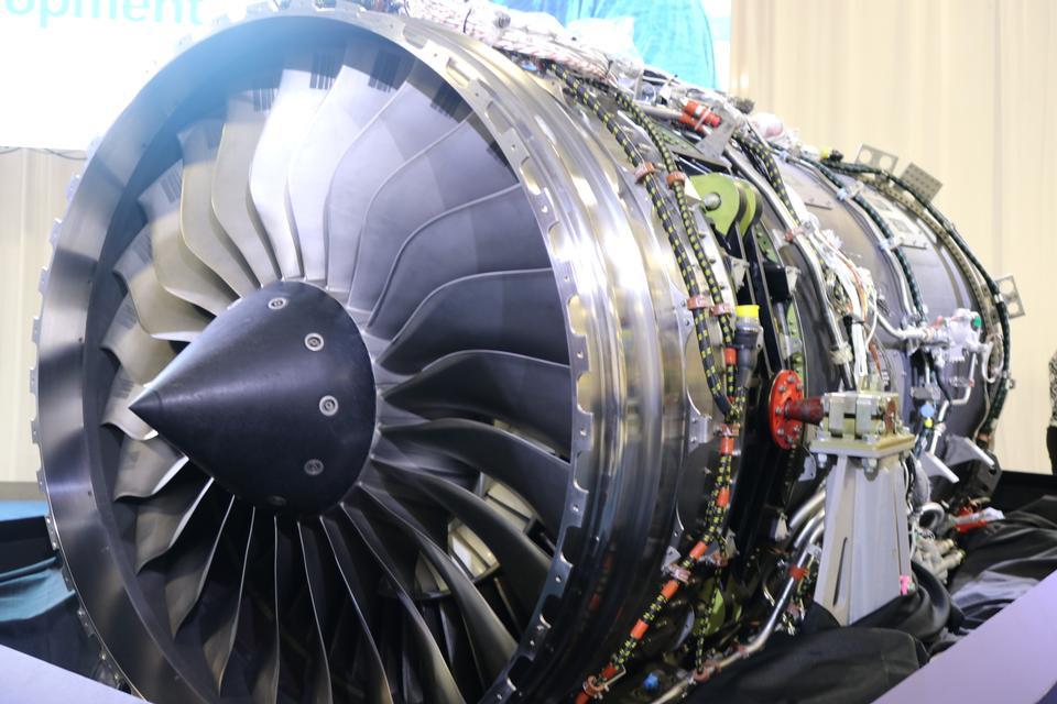 롤스 로이스 B-52 제트 엔진의 외관