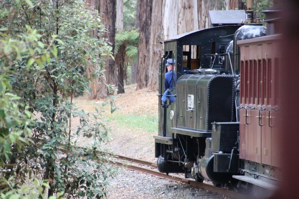 膨胀比利蒸汽机车
