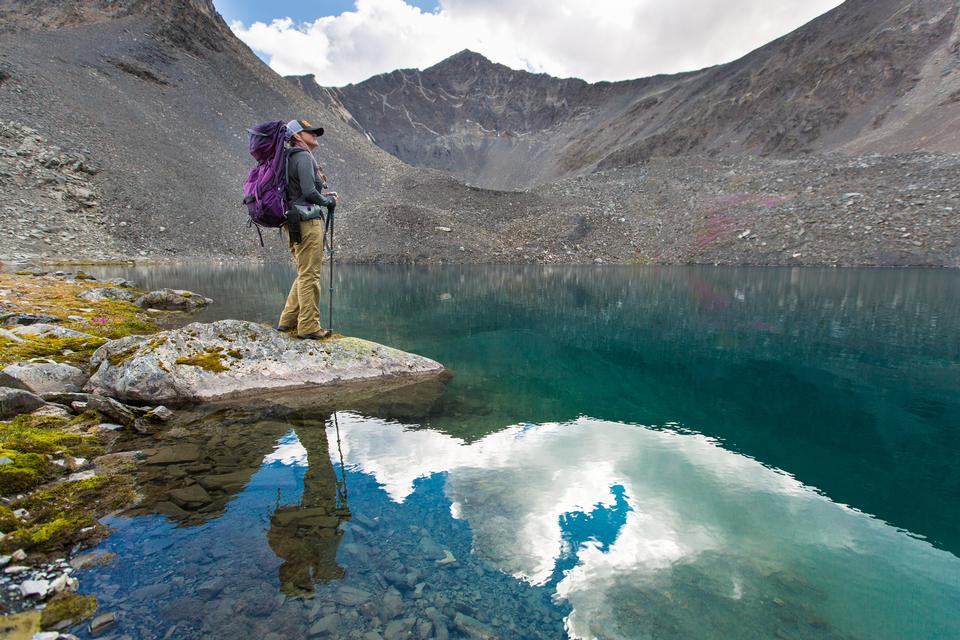 Profiter d'un lac alpin près de Bremner
