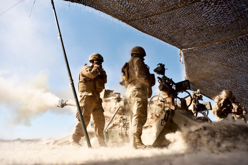 Marine Division, schießen Sie eine M777 Haubitze