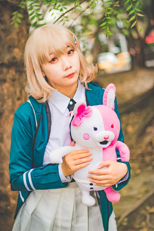 Retrato de niña de traje de anime de Japón