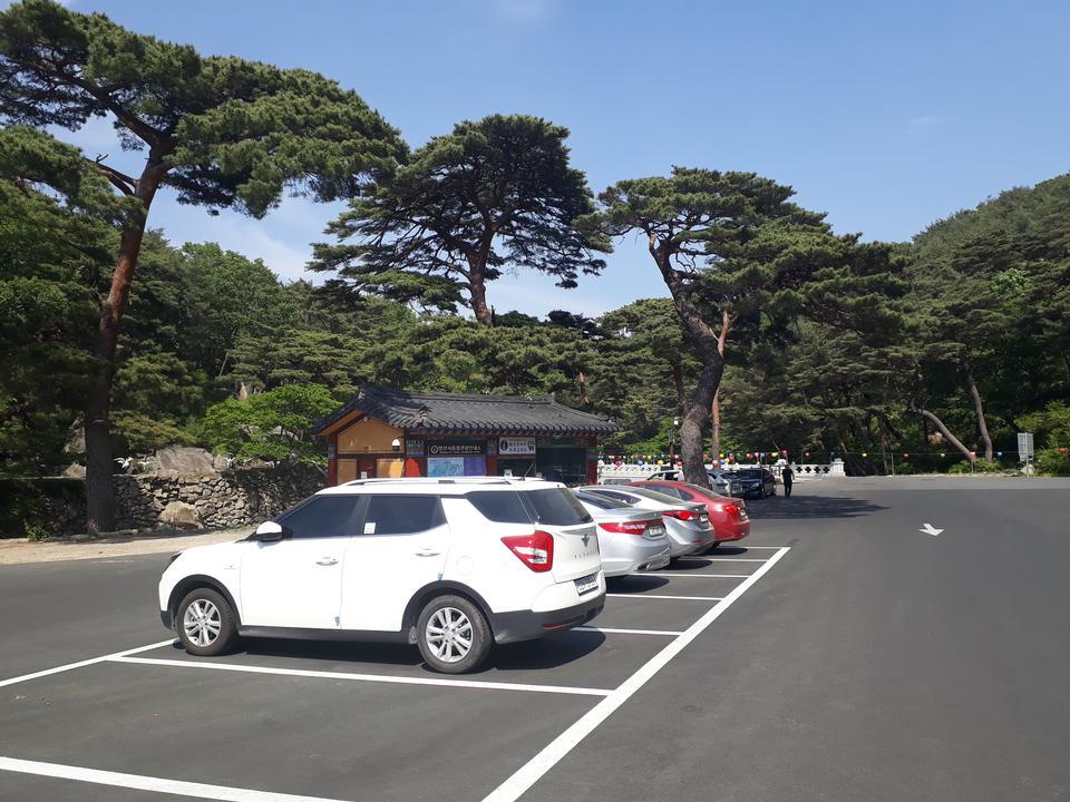 Parking lot Tongdosa Temple Yangsan South Korea