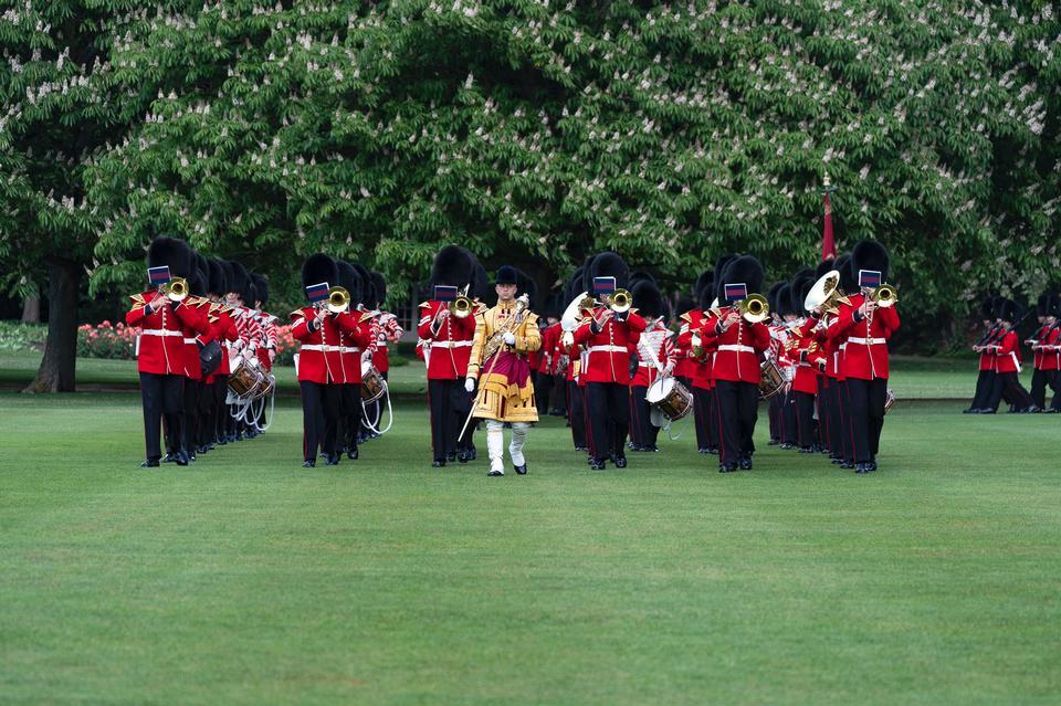 在伦敦宫殿的掷弹兵卫兵