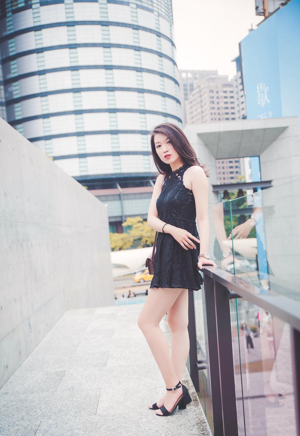 A pretty asian business woman