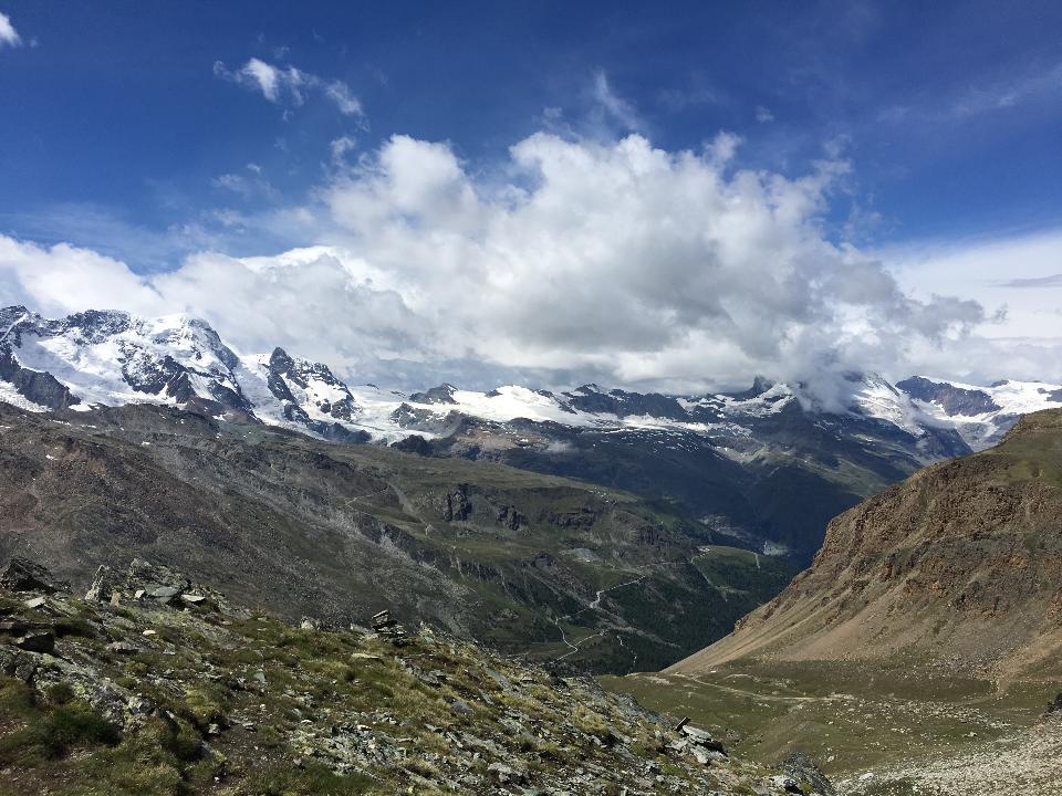 Il famoso Tour du Mont Blanc vicino a Chamonix, Francia