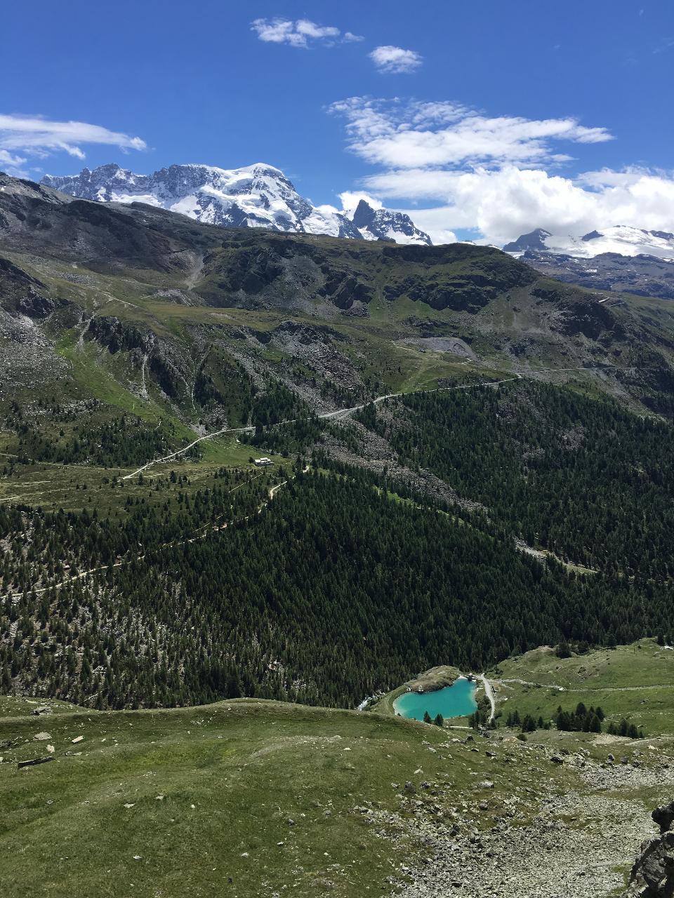 着名的Tour du Mont Blanc在夏蒙尼附近,法国