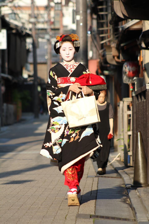 Lehrling Geisha in Westjapan, vor allem Kyoto