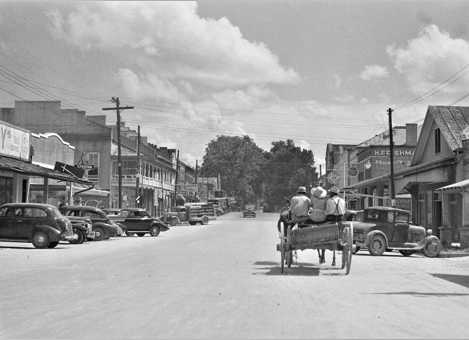 Street scene in Port Gibson, Mississippi