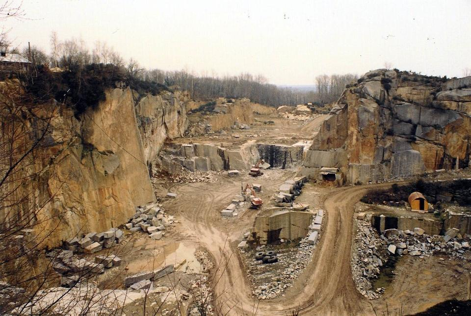 Open-cast quarry, limestone mining