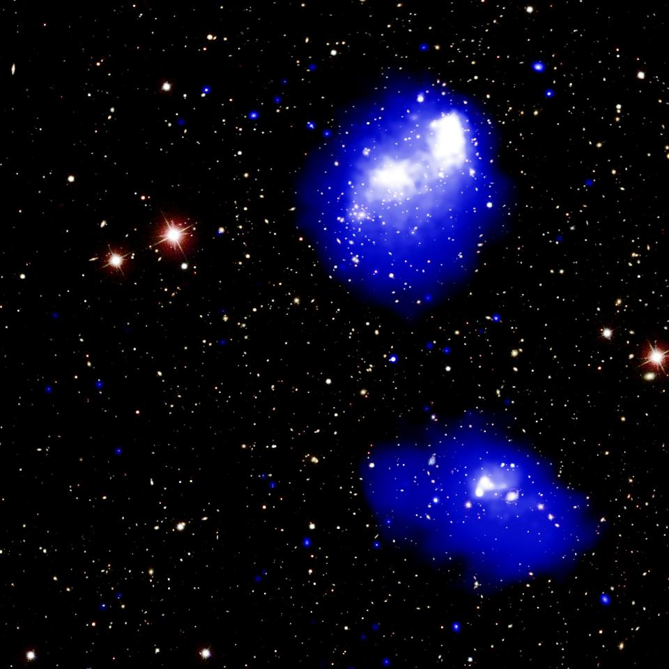 Chandra Spots a Mega-Cluster