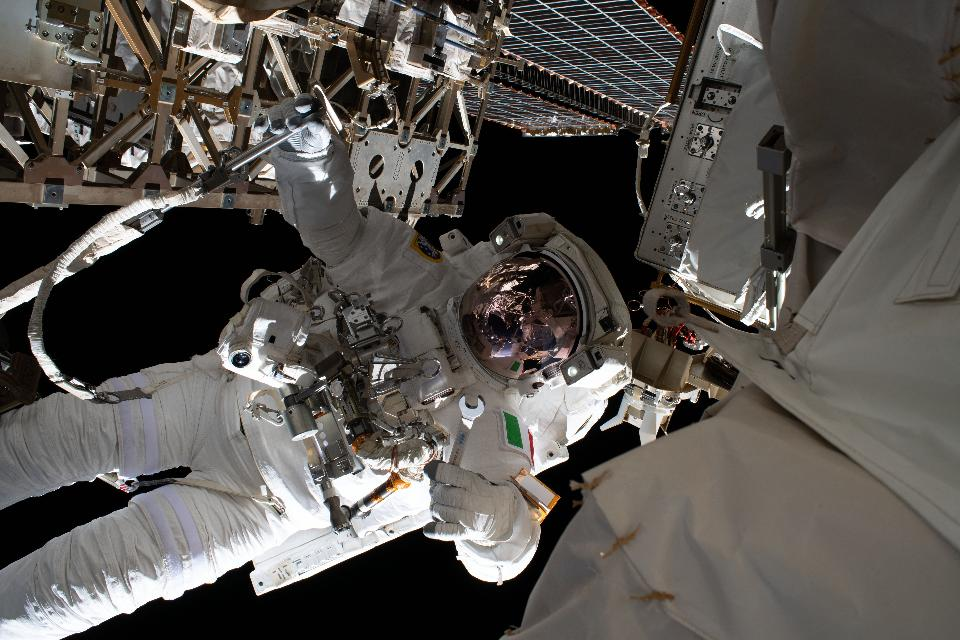 Astronaut Repair the Alpha Magnetic Spectrometer