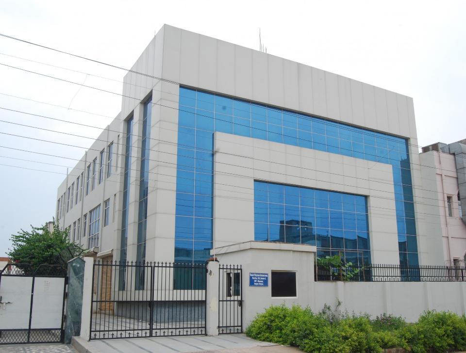 Fabrikfläche zur Miete in Noida 9899920199