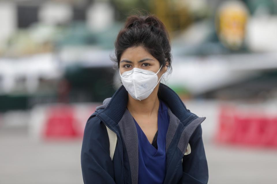 woman wearing hygienic mask to prevent the Coronavirus