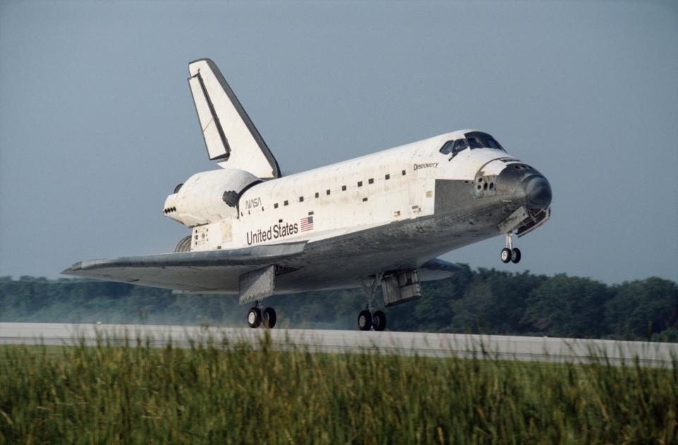 Space Shuttle Discovery STS-70